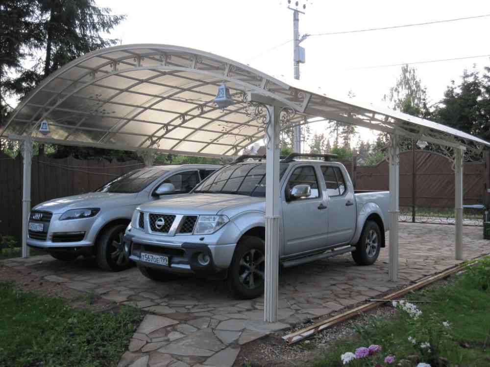 Audi Q7 и Nissan Navara