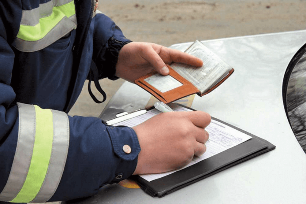 Составление протокола о езде без прав