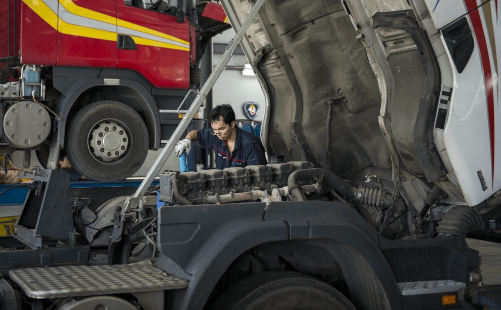 Ремонт грузового автомобиля
