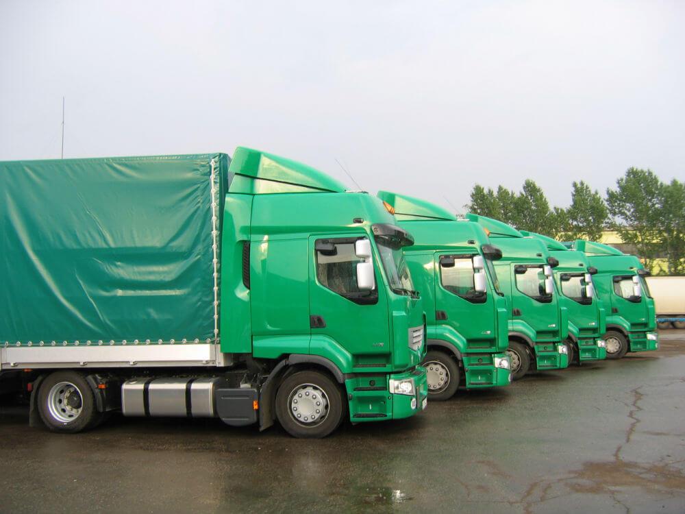 Автопарк грузовых автомобилей компании