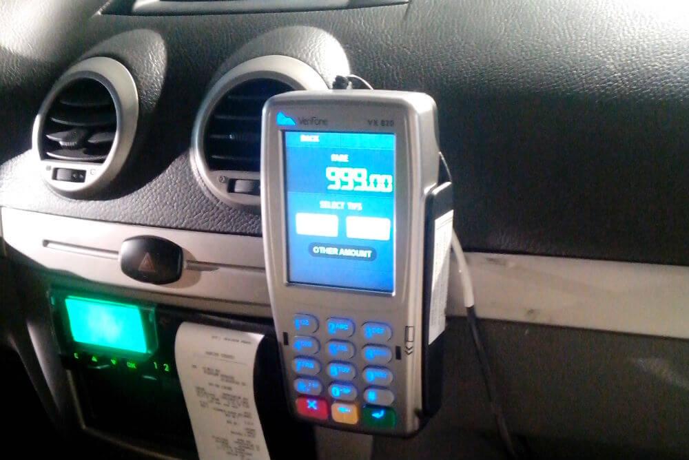 Терминал безналичного расчета в такси