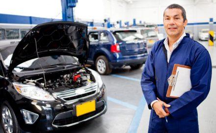Мастер готов проводить осмотр автомобиля