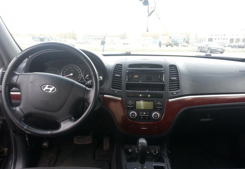 В салоне автомобиляHyundai Santa Fe
