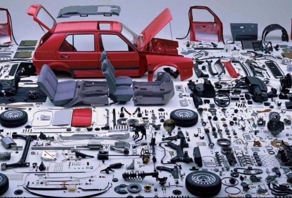 Автомобиль, разобранный по запчастям