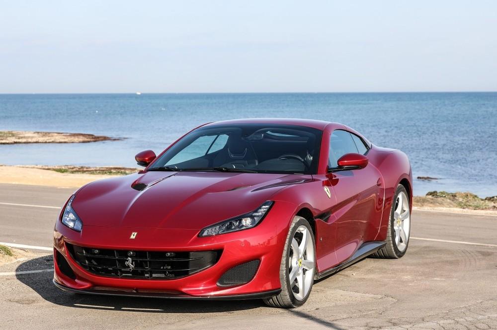 Автомобиль Ferrari Portofino