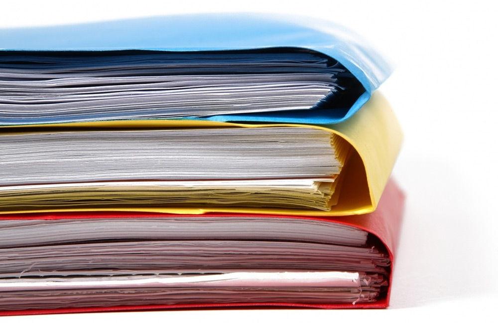 Три папки с документами
