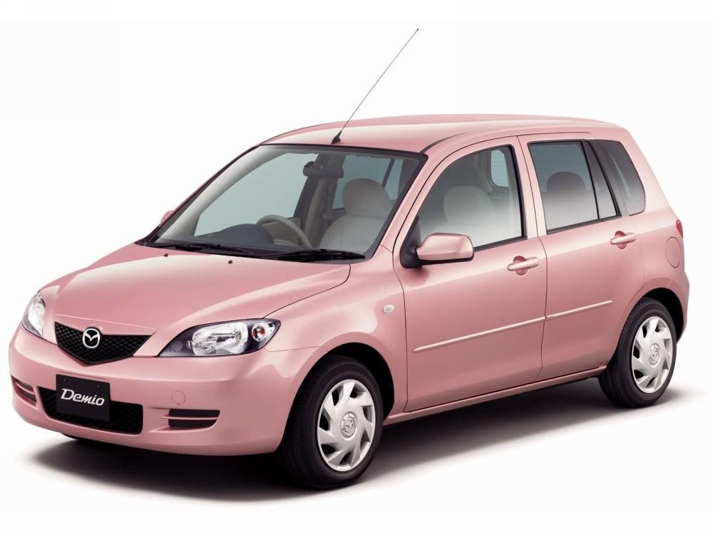 Mazda Demio розового цвета