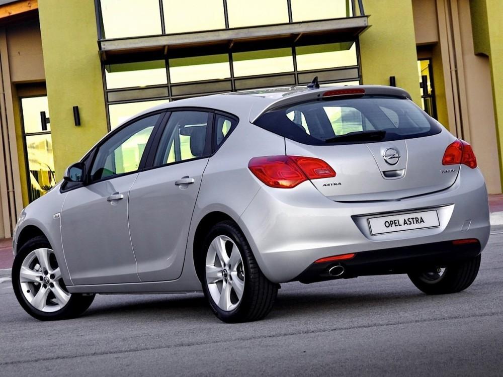 Машина Opel Astra