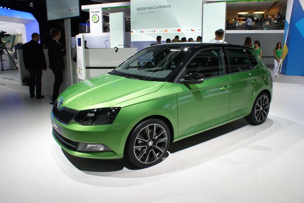Skoda Fabia зеленого цвета
