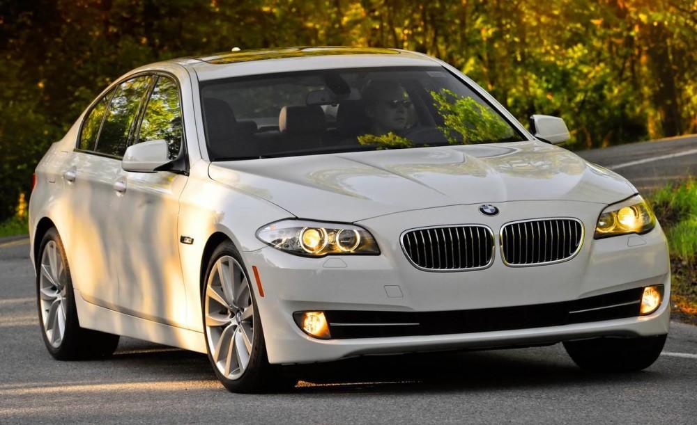 Машина BMW 5 Series