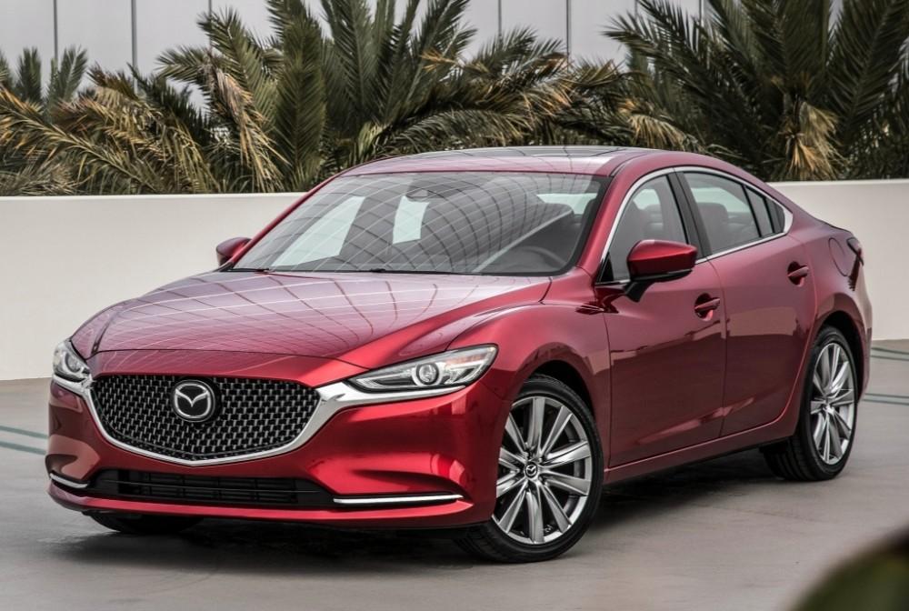 Машина Mazda 6