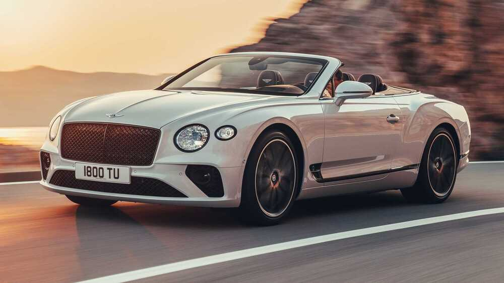 Bentley Continental белый