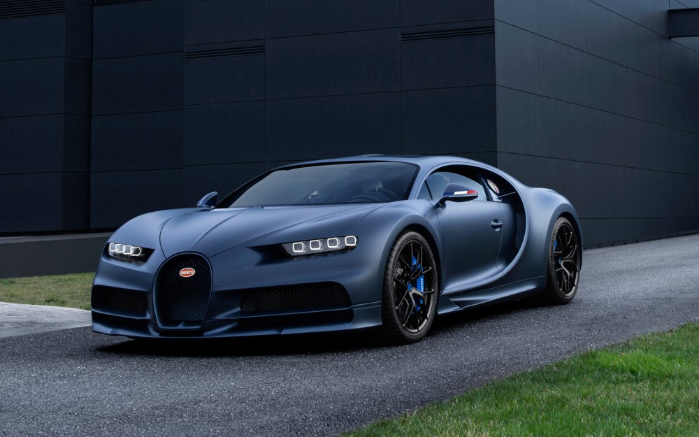 Спорткар Bugatti Chiron Spoer 110 Ans
