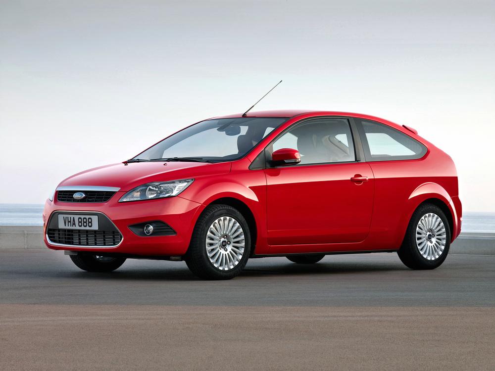 Ford Focus красный