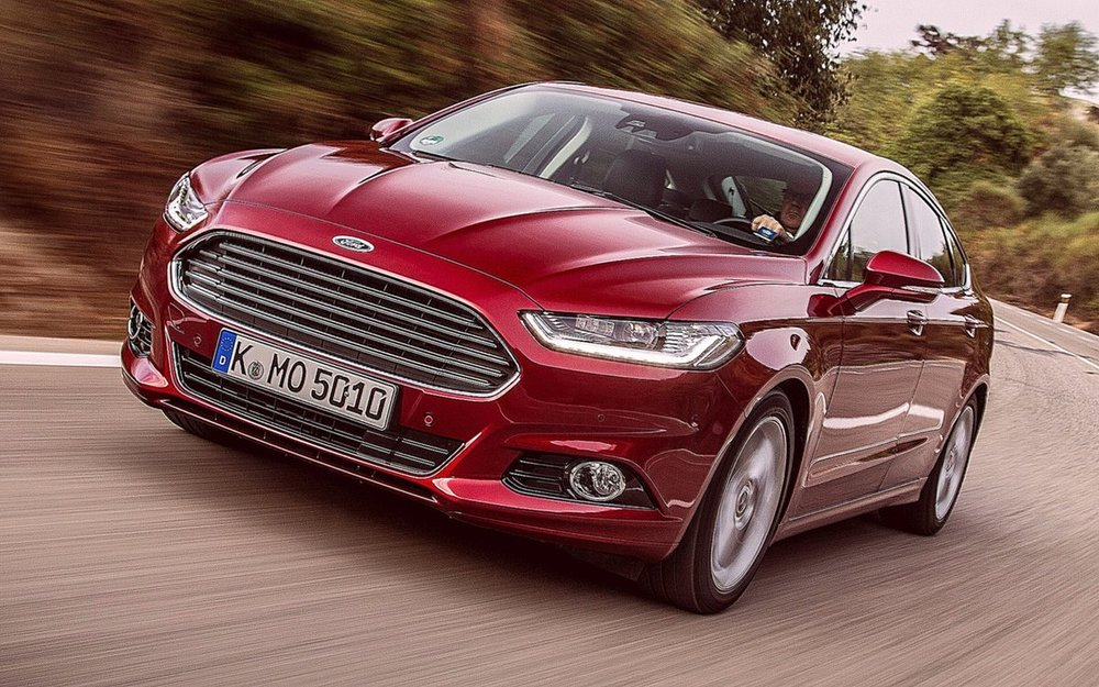 Ford Mondeo красный