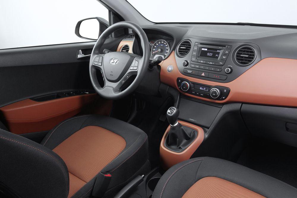 Салон Hyundai i10