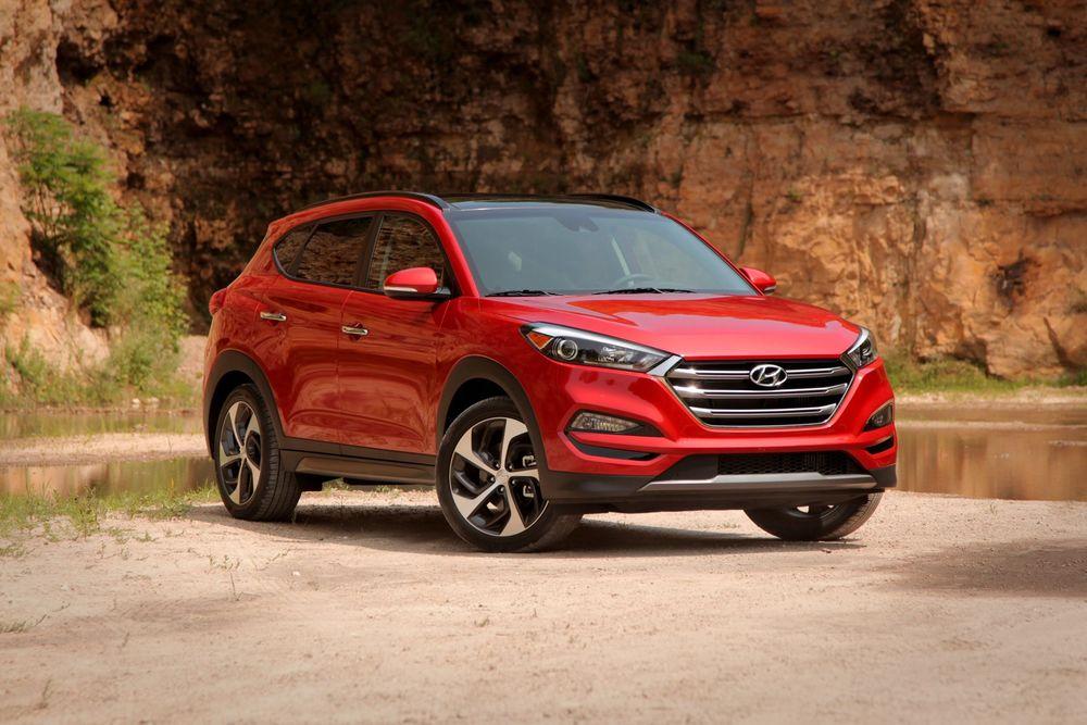 Hyundai Tucson красный