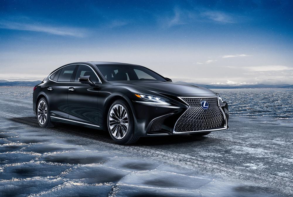 Lexus LS черный
