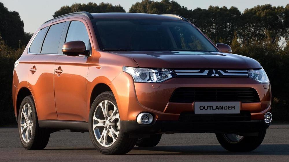 Mitsubishi Outlander коричневый