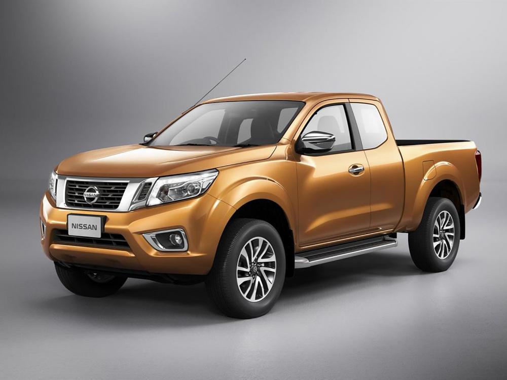 Nissan Navara оранжевый