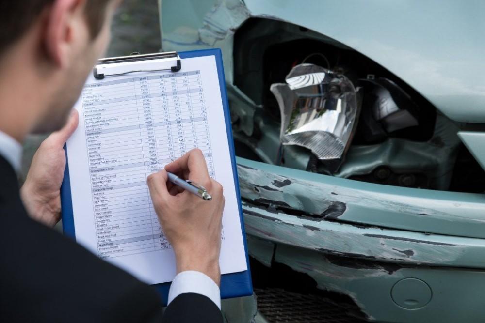 Оценка повреждения автомобиля