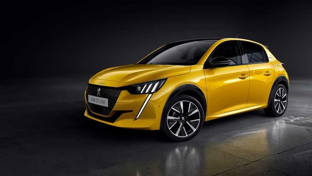 Peugeot 208 желтый