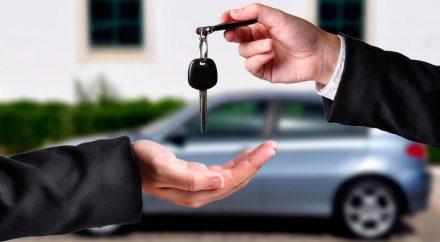 Как купить автомобиль с рук без ошибок