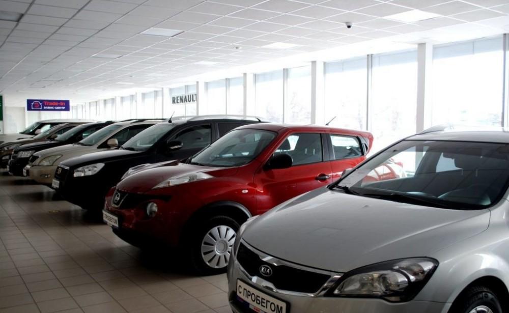 Подержанные автомобили в автосалоне