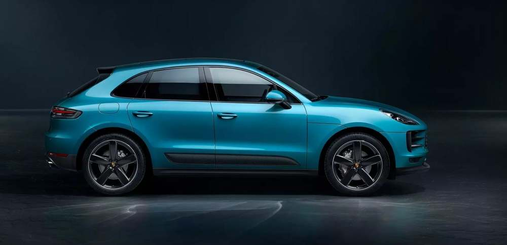 Porsche Macan синий