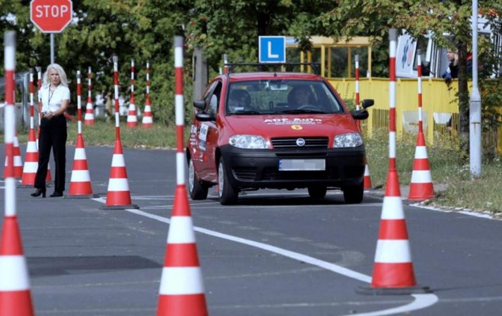 Сдача практического экзамена на автомобиле