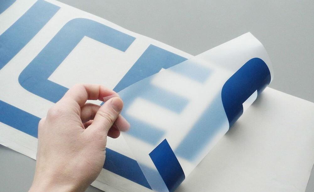Изготовление стикеров для оклейки авто