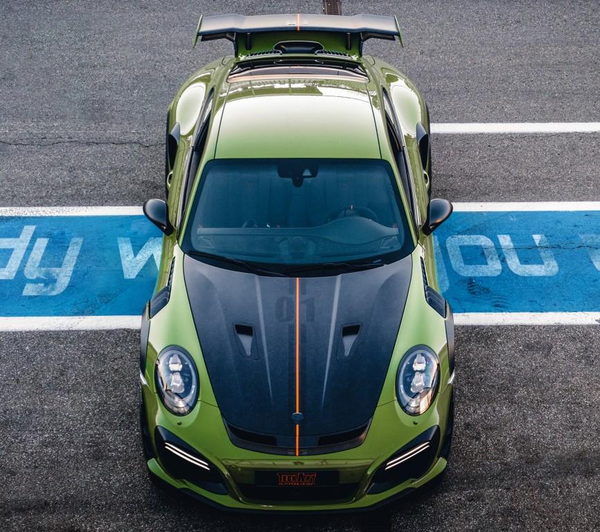 Гоночное авто TechArt GT Street RS