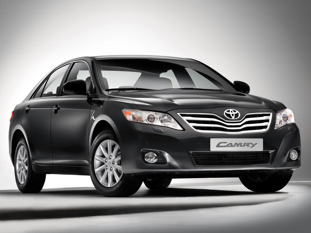 Toyota Camry черный