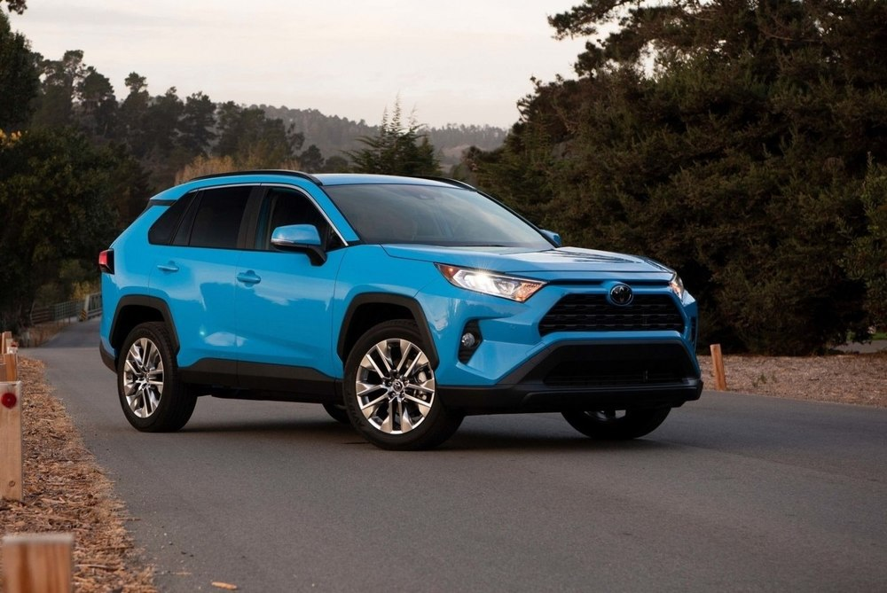 Toyota RAV4 синий