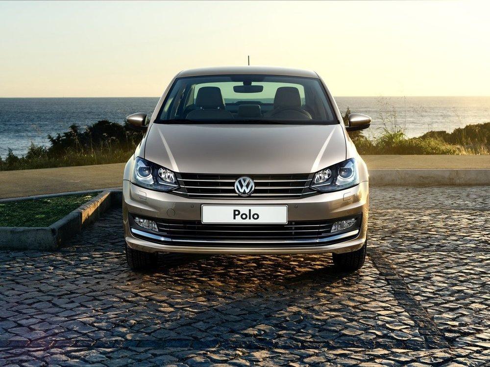 Volkswagen Polo спереди