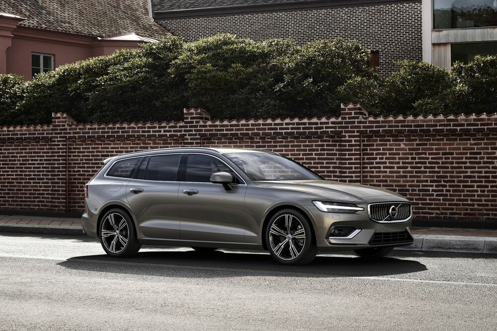 Volvo V60 серый