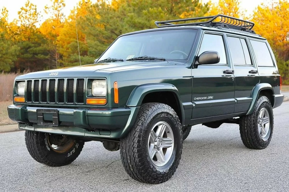Внедорожник Jeep Cherokee