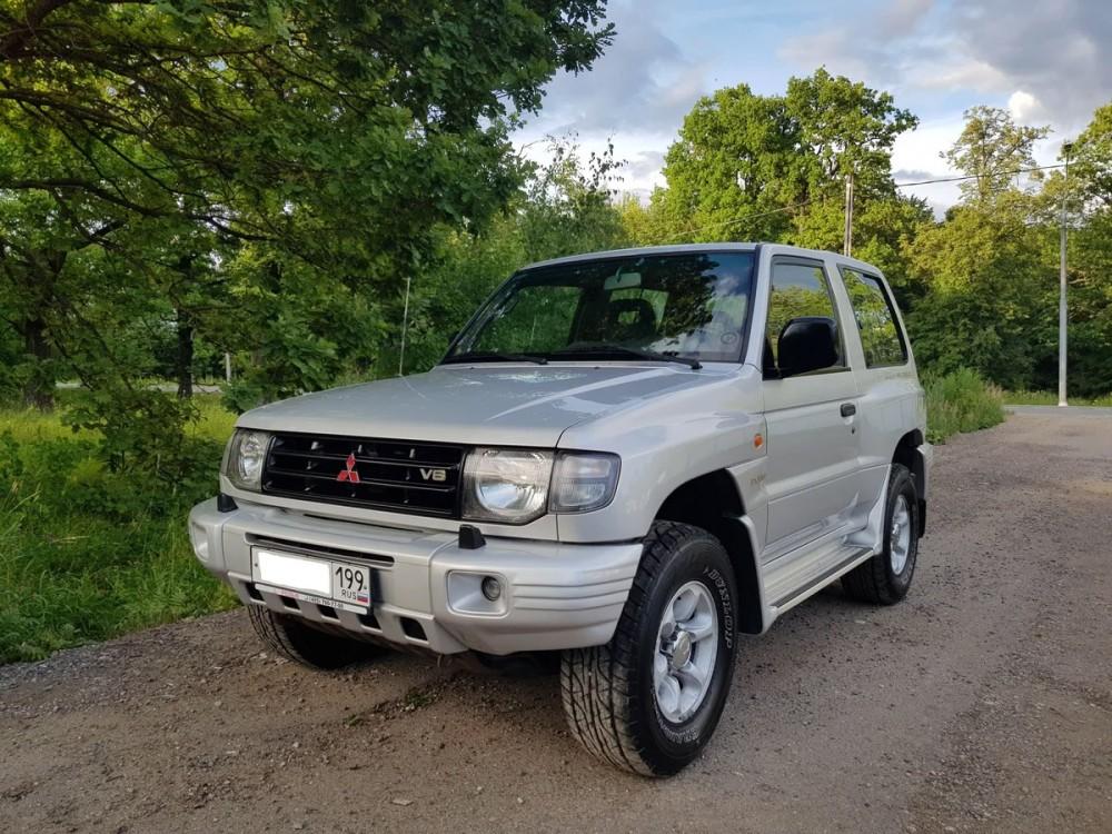 Японский Mitsubishi Pajero
