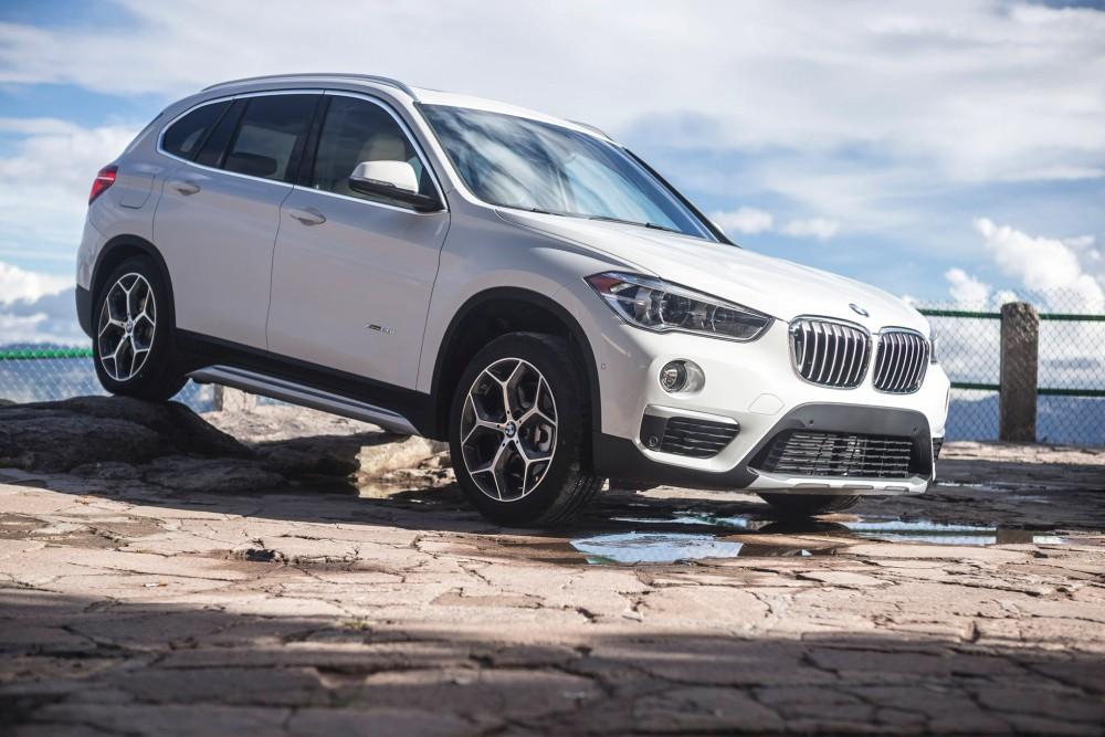 BMW X1 2016 белого цвета