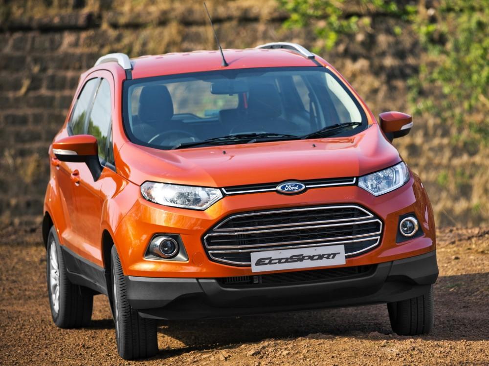 Ford EcoSport оранжевого цвета