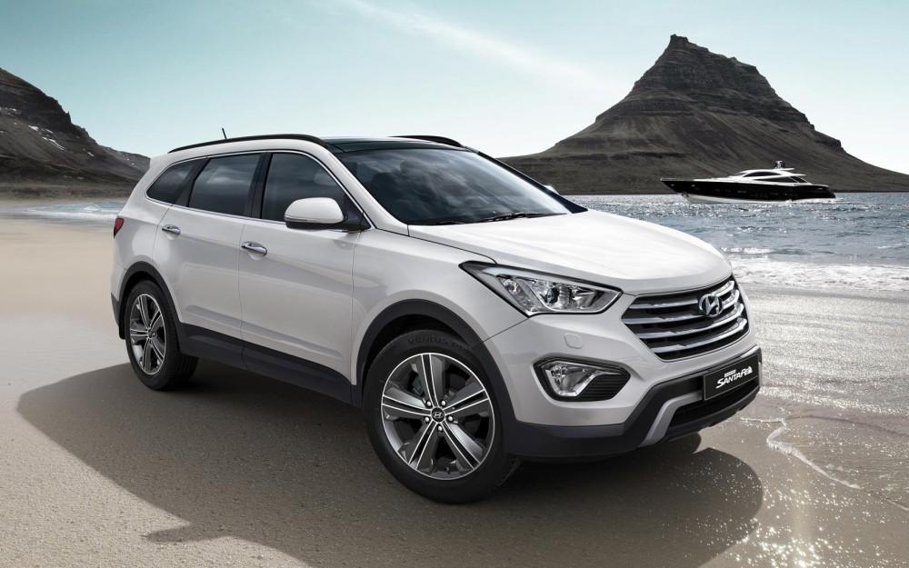 Hyundai Santa Fe белого цвета