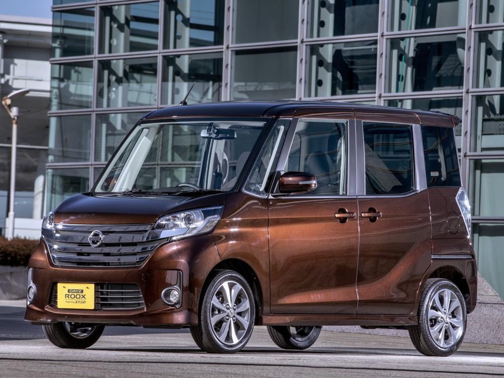 Японский автомобиль Nissan Dayz Roox
