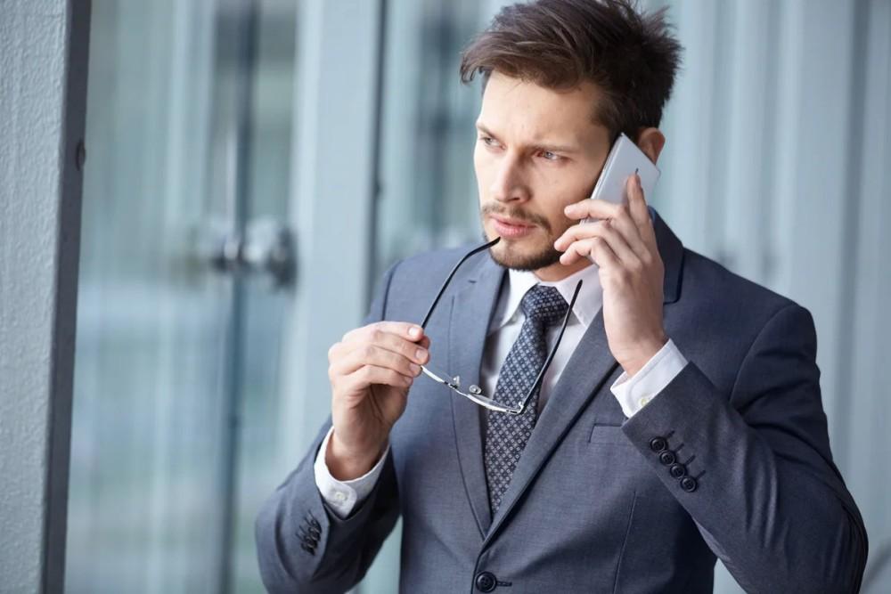Общение с продавцом автомобиля по телефону