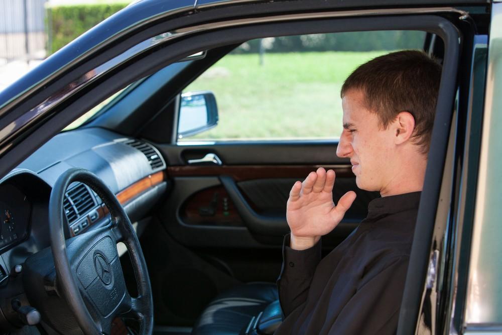 Неприятный запах в автомобиле